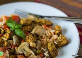 ryż z kurczakiem i warzywami w sosie curry