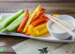 warzywa z dipem oliwkowym