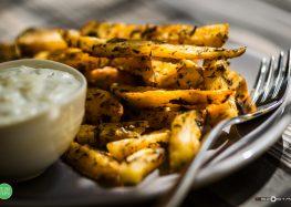 pieczone ziemniaki z sosem tzatziki
