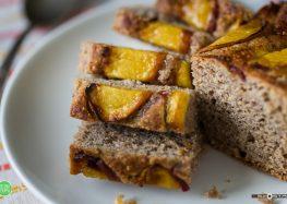 ciasto amarantusowe z nektarynką