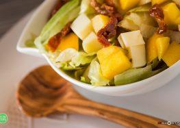 sałatka z mango i mozarellą