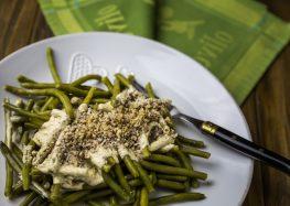 fasolka szparagowa w sosie musztardowym z orzechami włoskimi